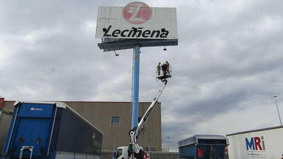 led-industrial-lecinema-009-fachada-focos