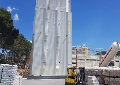 Iluminamos con Proyectores LED Industriales el nuevo silo de PERLINDUSTRIA